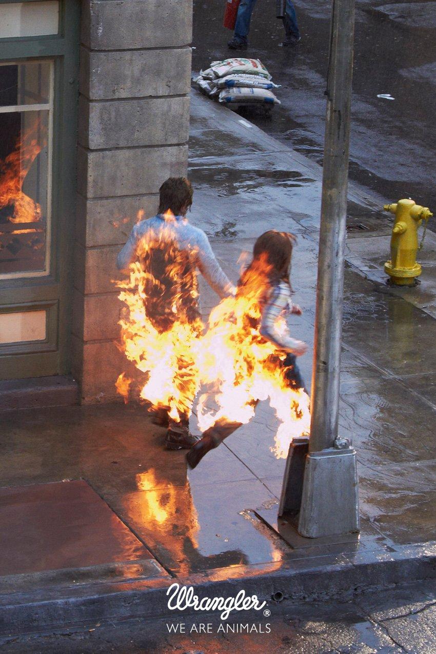 фото огонь из окна